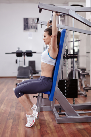 Woman Doing Shoulder Press With Correct Form